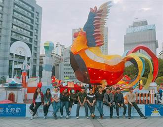 第一科大花燈「舞雞」 奪台北燈節社會組燈王