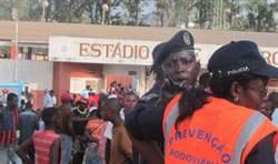 安哥拉足賽球迷踩踏慘案 17人死亡
