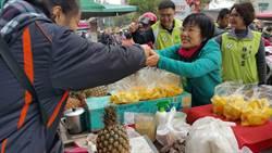 劉世芳勤走前鎮、小港市場 爭取支持選高市長