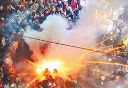 鹽水蜂炮震撼開轟 民眾呼刺激