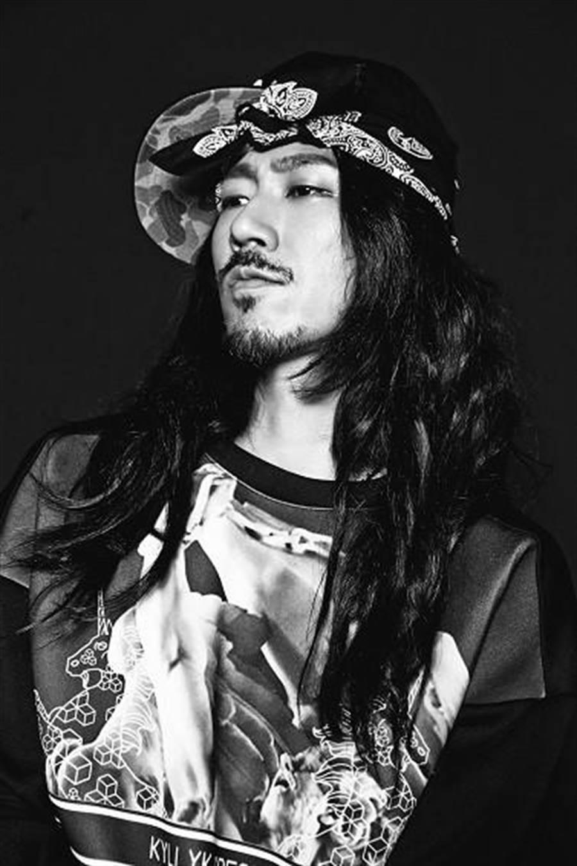 被譽為韓國嘻哈界第一把交椅的Tiger JK。(圖/韓網)