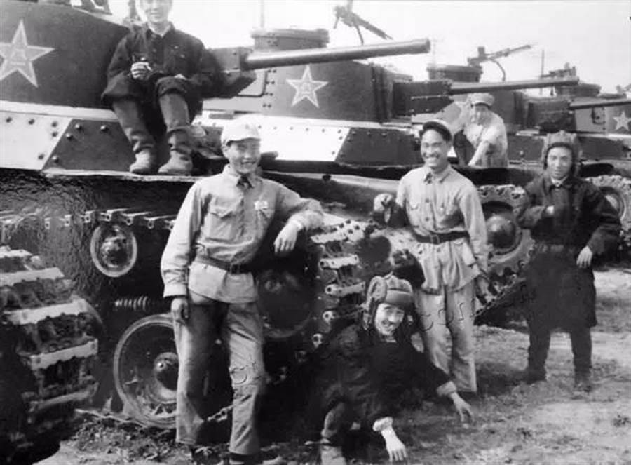在日本教官的培育下,解放軍從無到有的擁有了戰車部隊。(網路照片)