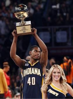 NBA》灌籃大賽也爆冷 羅賓生三世奪冠