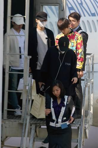 韓男團INFINITE來台 機棚離開歌迷撲空