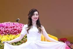 黃思婷新加坡法會獻唱8萬信眾