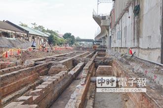 林佳龍:盼呈現三代同堂火車站