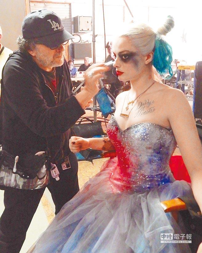 亞力山卓(左)為小丑女設計的妝容大受好評,也廣受全球粉絲模仿。(亞力山卓提供)