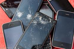 智慧型手機問世10年 平均全球人手1機