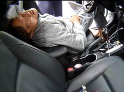 男子喝茫酒駕撞車 落網遭起出毒品吸食器