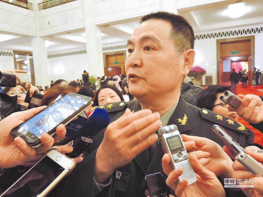 大陸前南京軍區副司令員王洪光中將3日受訪表示,台灣部署薩德之日,就是解放軍解放台灣之時。(記者陳君碩攝)