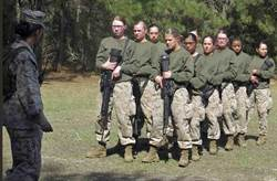 美海陸戰隊遭爆 在FB私密社團流傳女兵裸照