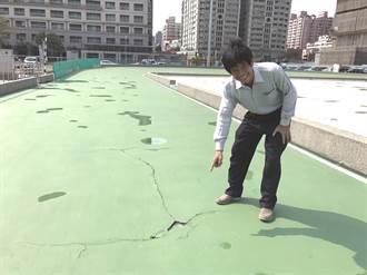 安平直排輪溜冰場險象叢生 市議員李文正要求改善