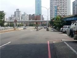 維持車流順暢 中市府填平地下道