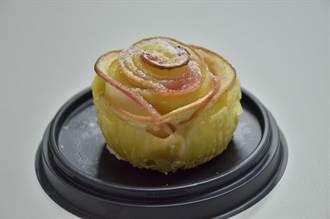 慶祝婦女節 公東高學生打造玫瑰派送女老師