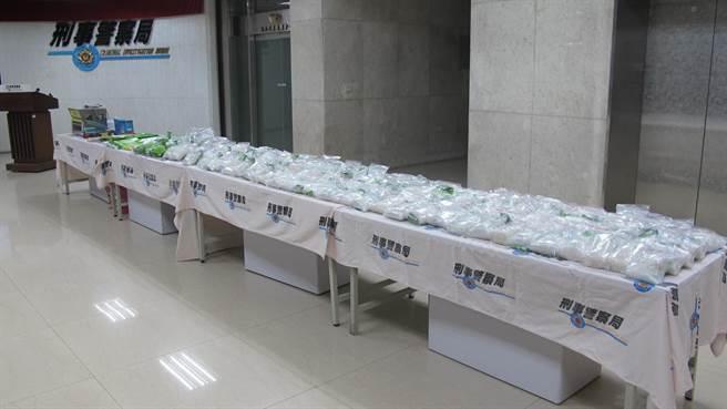 警方查獲92多公斤的安非他命毒品,初估市價逾億元。(林郁平攝)