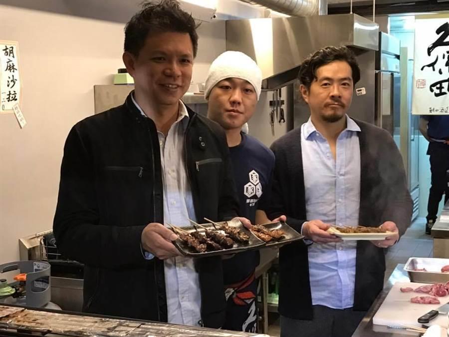 捷安商實業總經理徐安昇(圖右)與丸莊食品公司副總莊偉中(圖左)合作,成立餐廳「豚豚拍子」。(徐力剛攝)