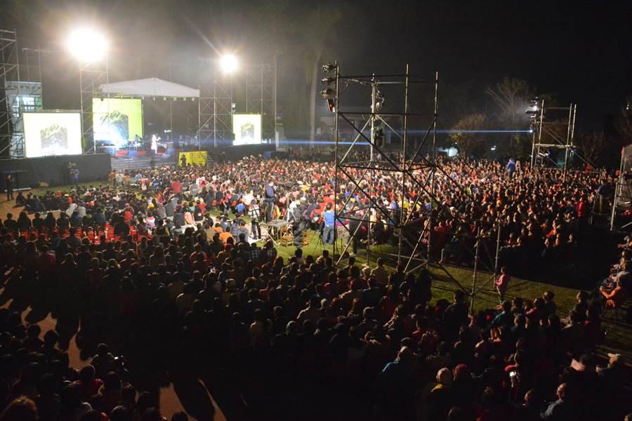 到場的愛樂者多達4、5000人。(沈揮勝攝)