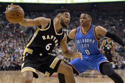 NBA》談柯瑞MVP票投哈登 韋少:他是誰?
