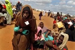 索馬利亞難民船遭阿帕契攻擊 31死80人獲救
