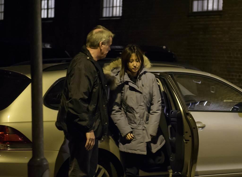 圖為鄭維羅今年1月2日在丹麥出庭後,由當地警方羈押的資料照。(圖/美聯社)
