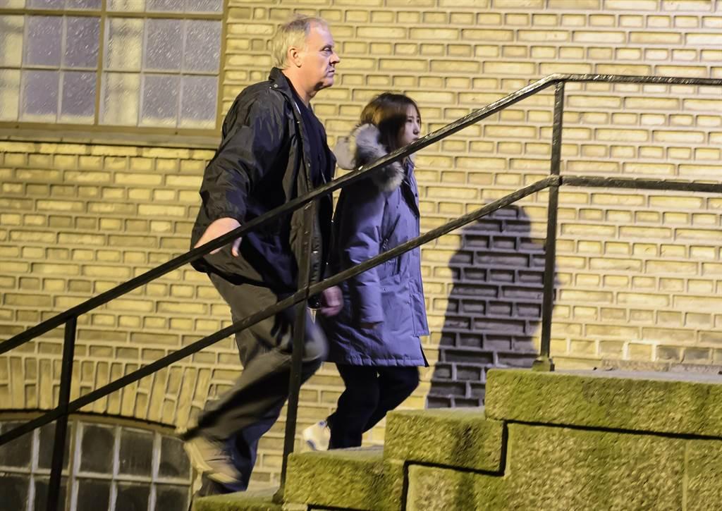 圖為鄭維羅1月2日出庭後,在丹麥北方城市阿爾堡(Aalborg)受警方羈押的資料照。(圖/美聯社)