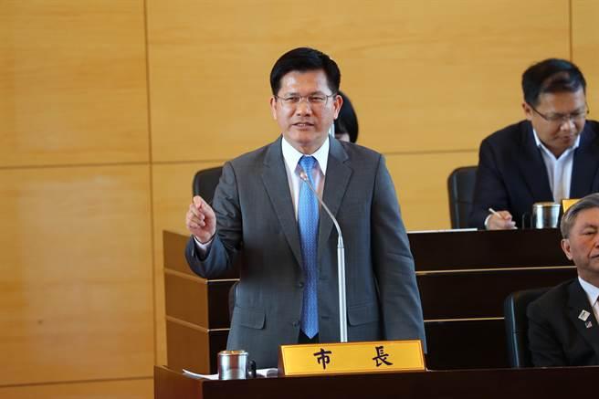 台中市長林佳龍指出,台中市處於大建設階段,財務相對健全,舉債空間不但沒有減少,反而增加。(陳世宗攝)