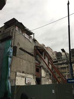 房屋將拆取物遭阻 都更不同意戶:警察國家