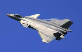引擎沒F-22有力 殲-20更像美F-15C