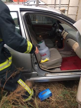 車門貼「車內有人往生」 男開瓦斯自殺獲救