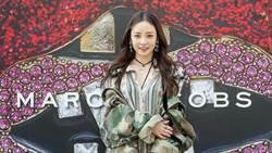 女神的心都被「它」擄獲了!Marc Jacobs 春夏系列深受韓星喜愛