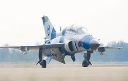 山鷹高教機 將成陸第2款艦載機