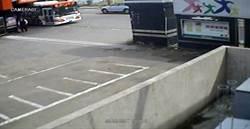 客運司機撿到信用卡 竟開公車去盜刷