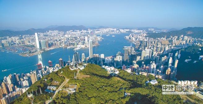 泰國人目前到香港旅遊每年約50萬人次。圖為香港維多利亞港。(新華社)