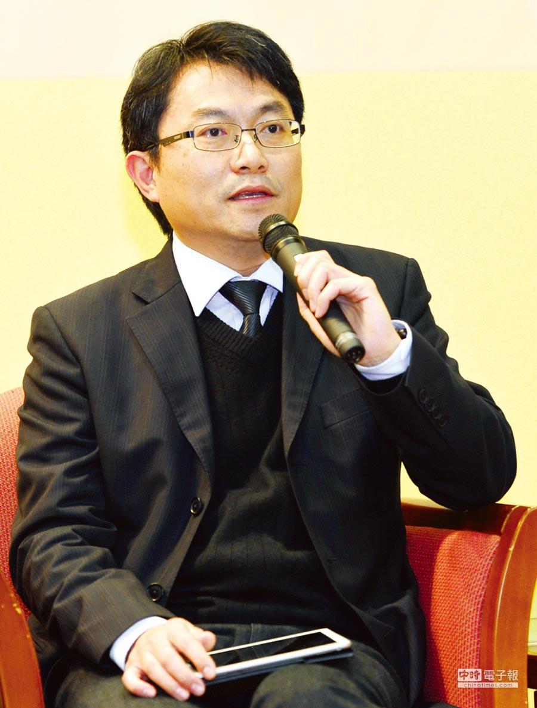 長庚大學中醫系教授 長庚科技大學民生學院院長黃聰龍