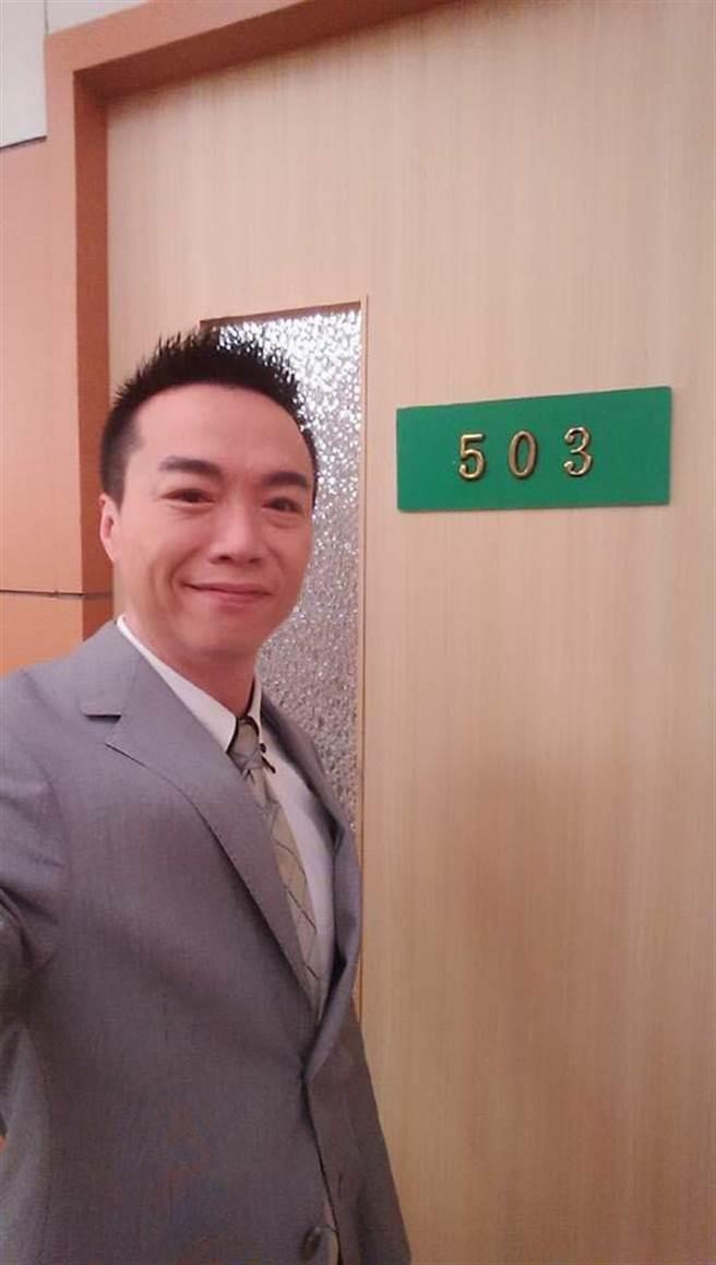 吳鈴山之前拍戲曾巧合看到病房「503」與自己名字諧音類似。(經紀人提供)