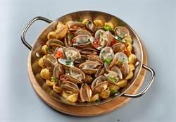 全新「白酒蛤蜊貝殼烤麵」 給你滿滿蛤蜊大平台!