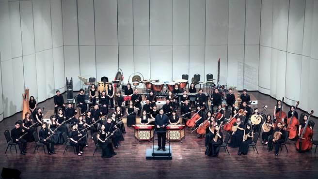 高雄市國樂團與國內外知名音樂家及指揮交流,讓樂迷聽過癮。(文化局提供)