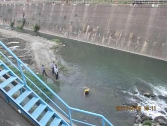草屯隘寮溪女子跳河尋短 警察下水救援上岸