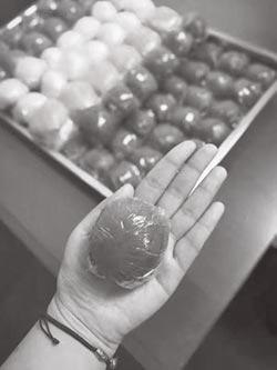 清明艾草青團與潤餅的故事