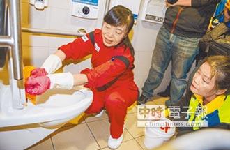 日國寶級清潔婦 公廁當自家掃
