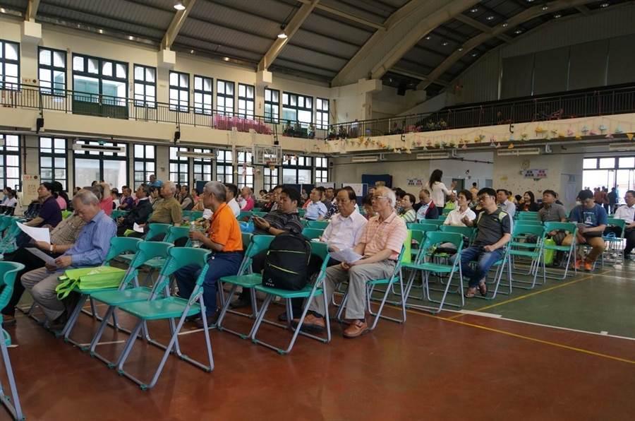 「烏日九德地區區段徵收」意願調查說明會,超過150位土地所有權人踴躍參加。(陳世宗攝)