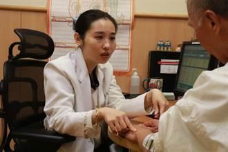 老翁全身癢難入睡 中醫內服外用治皮膚痼疾