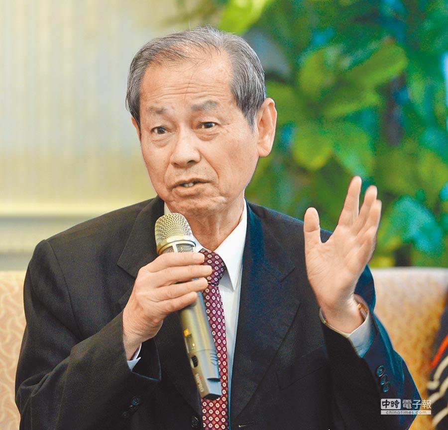 台塑石化董事長陳寶郎表示,將以燃煤取代石油焦。(顏謙隆攝)