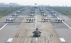 沖繩美軍 隔海向北韓示威