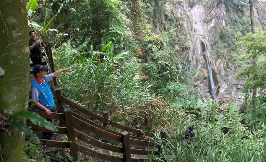 深居幽谷的水濂洞瀑布高約70公尺;今逢枯水期水勢較小,一旦到了夏季豐水時將呈現壯觀澎湃景況。(沈揮勝攝)
