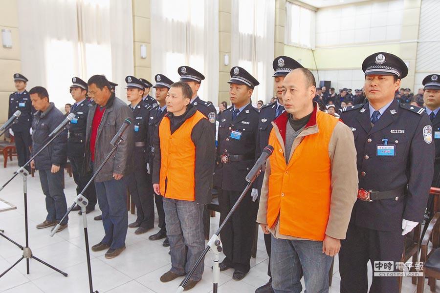 河南魯山縣人民法院審理農民涉嫌詐騙案。(中新社資料照片)