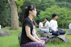 法鼓山青年會辦禪修營 邀禪坐體驗放鬆