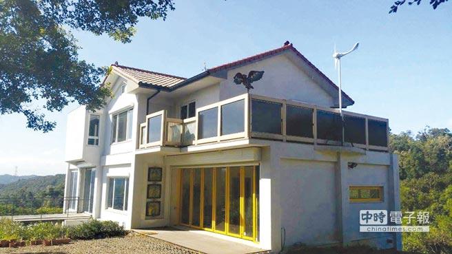新建築設計代表「綠房子」,核心概念在節能。如門、窗採用雙層玻璃及斷熱窗框,外層用捲窗,達省能效果。圖/業者提供
