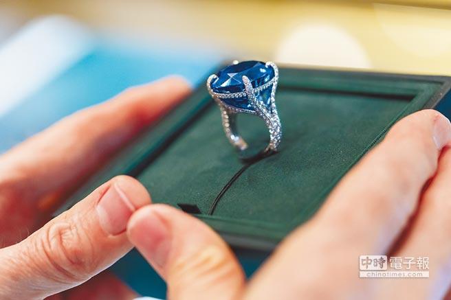 Tiffany 2017 Blue Book系列51.56克拉斯里蘭卡藍寶石,約8500萬元。
