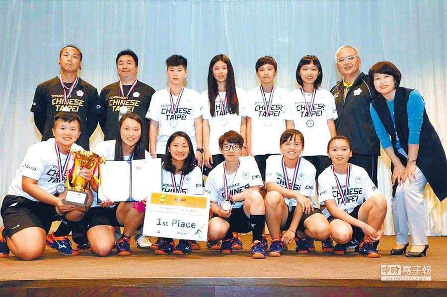 嘉縣一群娘子軍,代表台灣參加第2屆東亞盃巧固球錦標賽,榮獲女子組冠軍,被喻為嘉義之光。(呂妍庭翻攝)